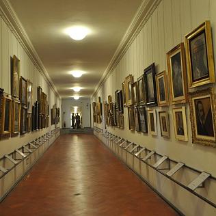 The Vasari corridor :: from Palazzo Vecchio to Palazzo Pitti